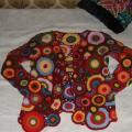 Spalvotas megztinis