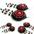 juoda - raudona