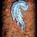 Pakabukas emalė, sparnas