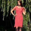 Koralinė suknelė