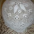 robe-a - Balta kepurė su koriuko raštu