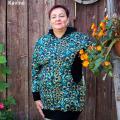 Moteriškas džemperis su įsiuvais